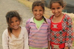 Hanan-Debwania -little-Bedouin-girls-at-Al-Khan-al-Ahmar