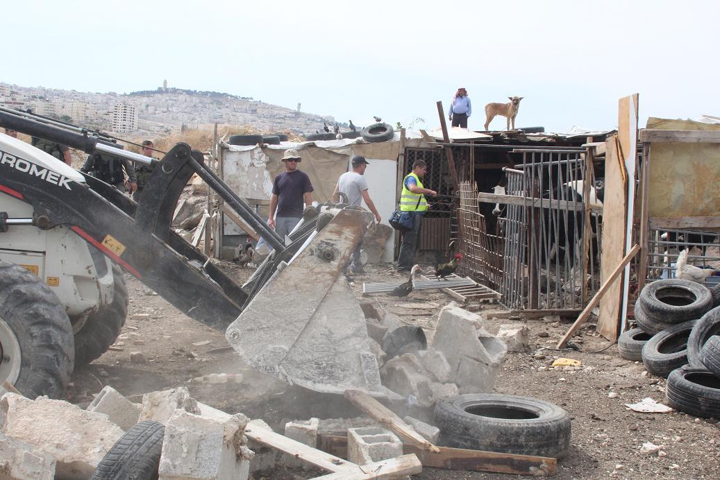 Demolitions at Al Azaria and Jabal a-Baba, May 19, 2014. Photo by Rami Allaria.